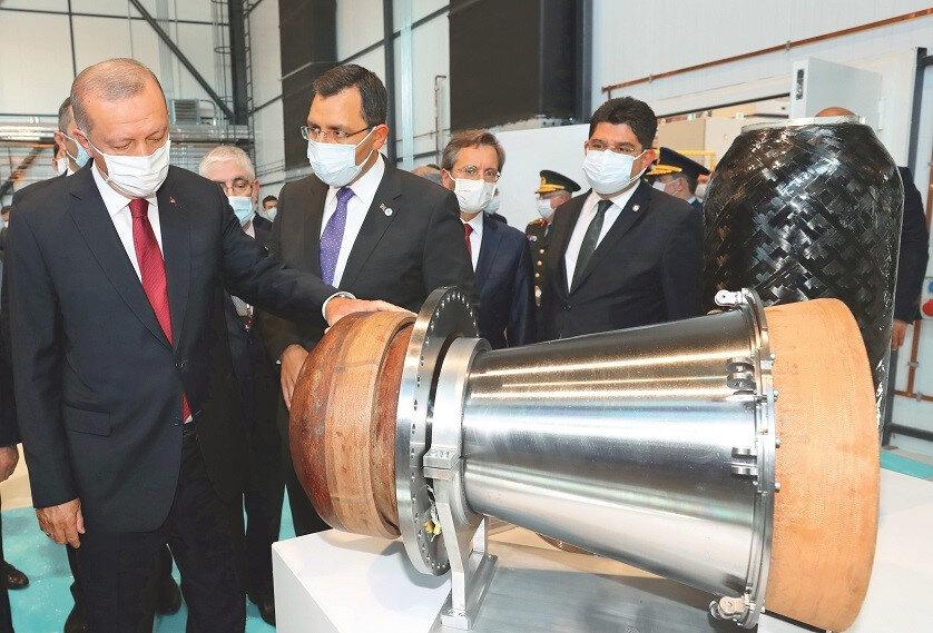 Cumhurbaşkanı Erdoğan Roketsan'da yapılan çalışmaları inceledi.