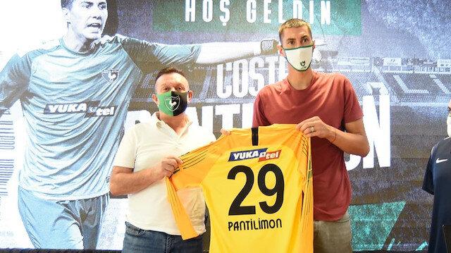 Süper Lig'e dev kaleci: 2.03 boyundaki eldiven imzayı attı