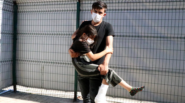Syrian girl allegedly injured by Greek soldier at Turkish border
