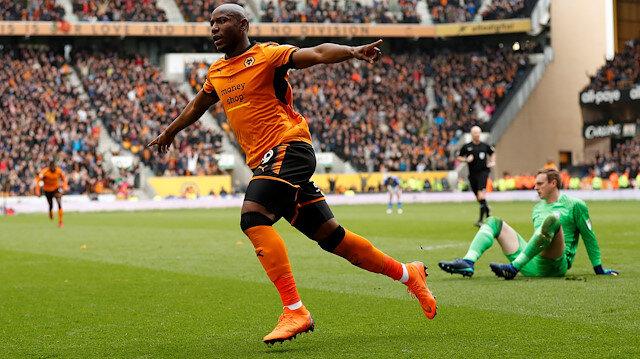 Benij Afobe, Premier Lig takımlarından Wolwes'in de formasını giymişti.