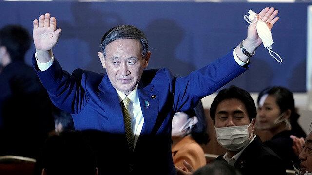 FILE PHOTO: Japanese Chief Cabinet Secretary Yoshihide Suga
