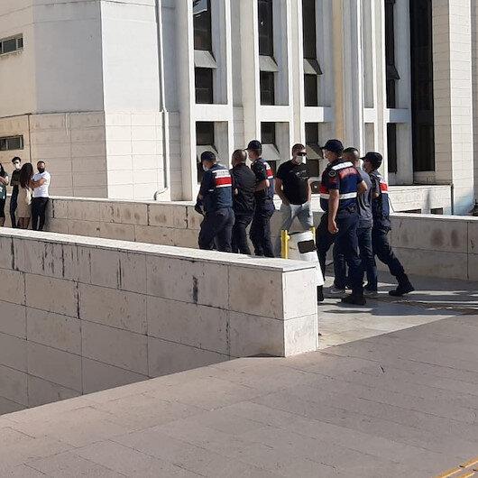 Kendilerini polis olarak tanıtıp 78 yaşındaki kadını 350 bin lira dolandıran 9 kişi, rezidansta yakalandı