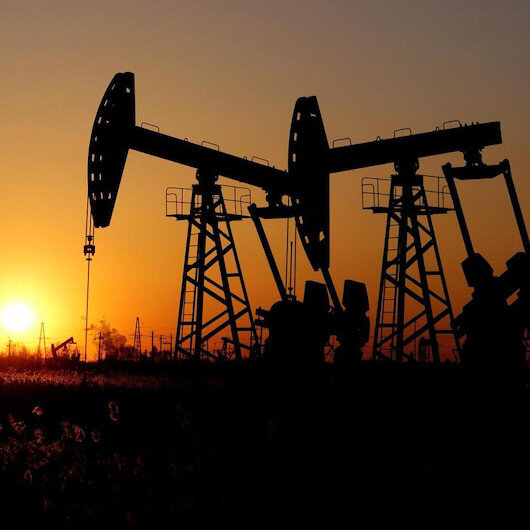 """أسعار النفط تتراجع مع قرب انحسار إعصار """"سالي"""""""