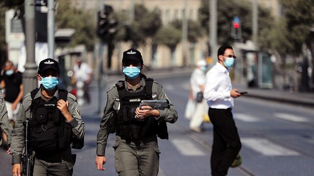 File photo: Israeli border police patrol the main market before Israel will enter a second nationwide lockdown amid a resurgence in new coronavirus disease (COVID-19) cases, forcing residents to stay mostly at home during the Jewish high-holiday season