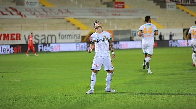 Alanyaspor'un yeni transferi sosyal medyanın gündeminde: