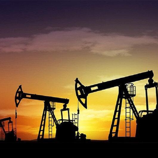 أسعار النفط تهبط وسط توقعات بعودة الإمدادات الليبية