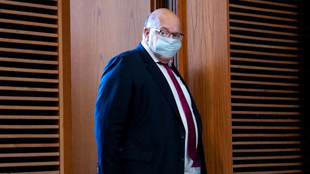 German economy minister ends quarantine after negative COVID-19 results