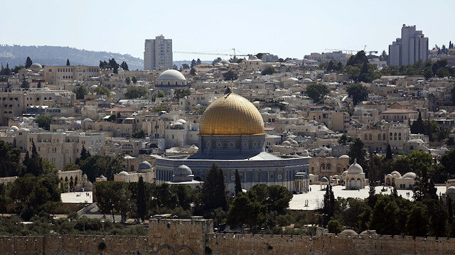 Israel prevents prayers in Al-Aqsa on virus pretext