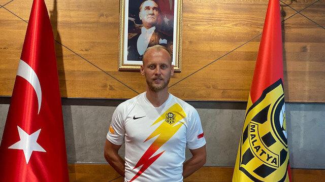 Semih Kaya, 2 yıllık sözleşme imzaladı.