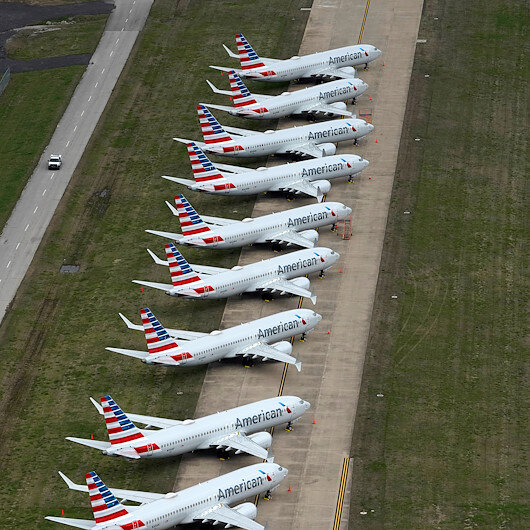 US airlines may furlough 32,000 people with no bailout