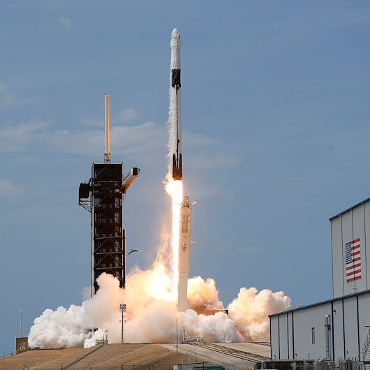 SpaceX launches satellites to improve global internet