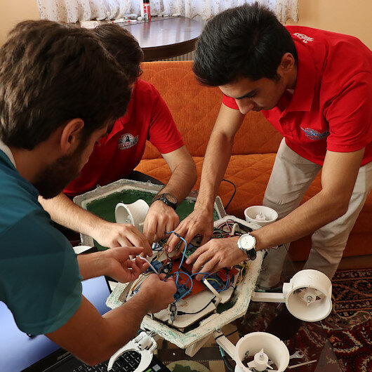 طلاب أتراك يستلهمون من السلاحف مجسما لدرون مائي
