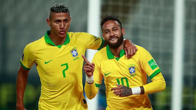 Neymar, Brezilya Milli Takımı'nda zirveye yürüyor