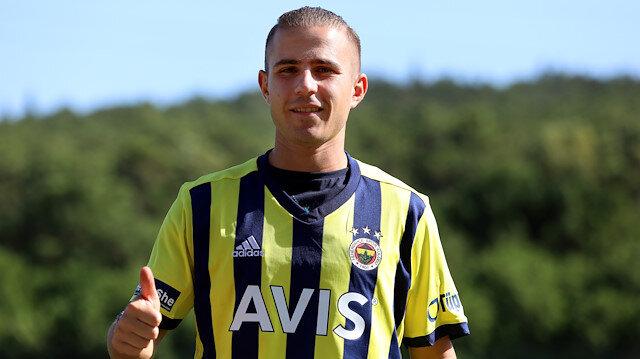 Dimitris Pelkas, Fenerbahçe'de 14 numaralı formayı giyecek.