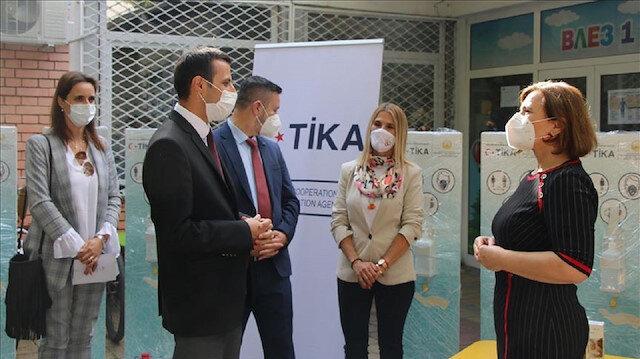 """""""تيكا"""" التركية تقدم مستلزمات طبية لرياض أطفال بشمال مقدونيا"""