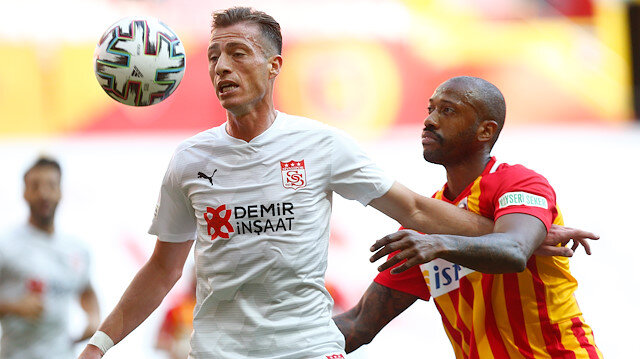Sivasspor 3 puanı 3 golle kazandı