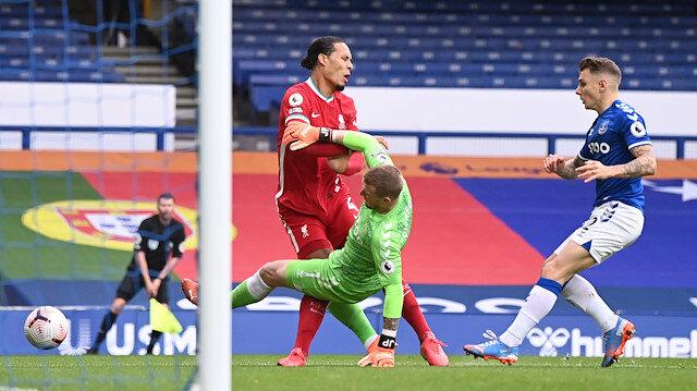 Liverpool'u yıkan haber: Van Dijk'ın ön çapraz bağları koptu