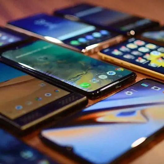 Uzmanından cep telefon uyarısı: Kaçak yollarla ülkemize giren telefonlar klonlanıyor