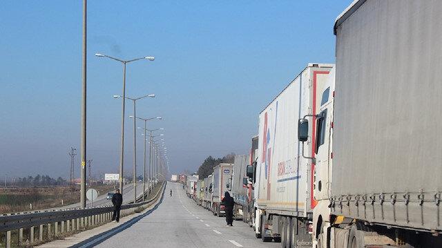 تركيا ترسل 110 آلاف طن مساعدات غذائية للمحتاجين بدول أخرى