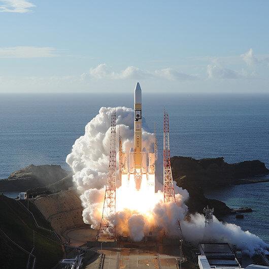 Eyeing moon, Japan to recruit astronauts