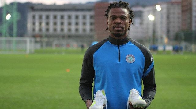 Fransız golcü Loic Remy, Çaykur Rizespor formasıyla dikkat çekiyor.