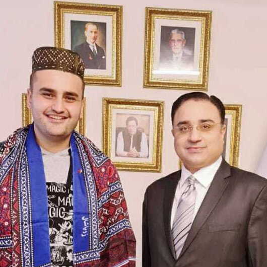 Master of 'gigantic' Turkish dishes CZN Burak announces plans to visit Pakistan