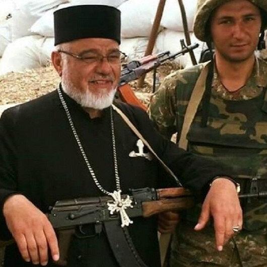 Ermenistan cephesi rahiplerle dolu: Kan dökme çağrısı yapıyorlar