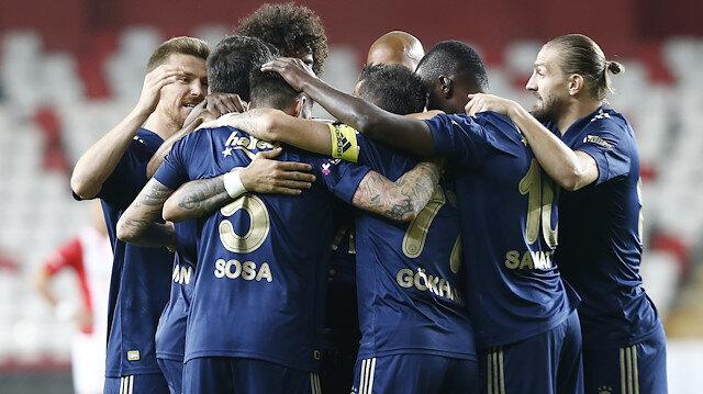 Fenerbahçe galibiyet serisine devam etti: Sarı lacivertliler maç fazlasıyla lider