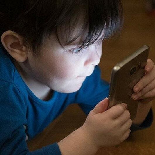 Teknolojik kısıtlamalar çocuk-anne ilişkilerini de etkiledi
