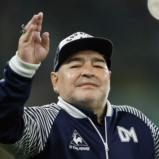 Maradona 'confused', to spend more time in hospital