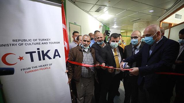 """""""تيكا"""" تسلم مستشفى فلسطينيًّا حاضنات حديثي الولادة"""