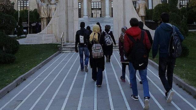 اتفاق على زيادة منح الطلاب العراقيين بالجامعات التركية