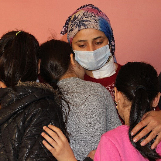 Manisa'da korkunç olay: Boşanmak istedi, çocuklarının gözü önünde boğazı kesildi