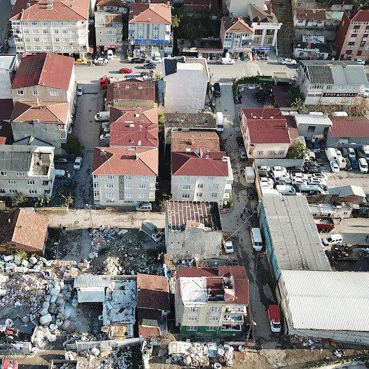 Riskli binada oturanlara belediye 'Boşaltın' dedi, bir mahalle karıştı