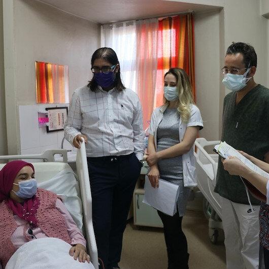 في ظاهرة نادرة.. امرأة تركية برحمين تنجب توأمًا