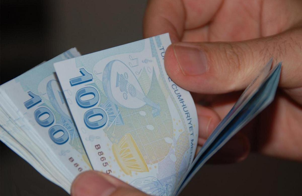 2020 yılı asgari ücreti yüzde 15.03 artışla 2 bin 324 lira olarak belirlenmişti.