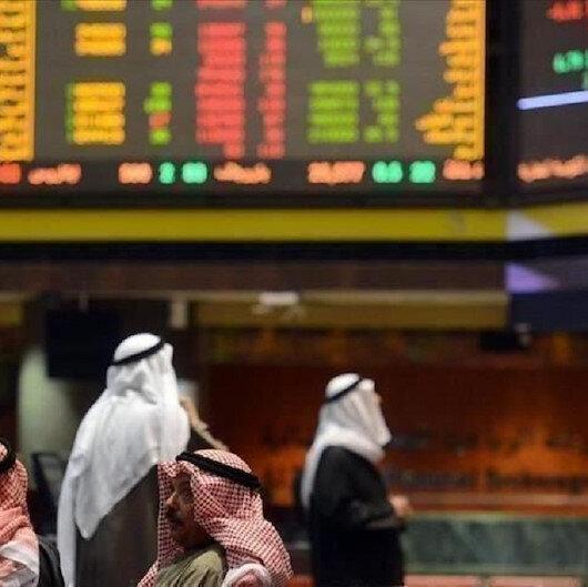 تباين اغلاقات أسواق الخليج مع استمرار تراجع أسعار الخام