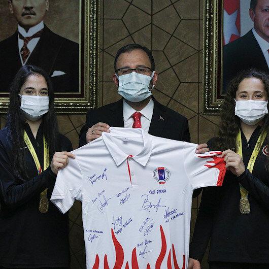 Turkish rhythmic gymnastics team visits sports minister