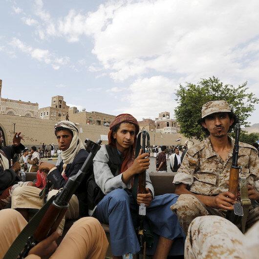 """""""الحوثي"""" تعلن تحرير 6 أسرى في تبادل مع الحكومة"""