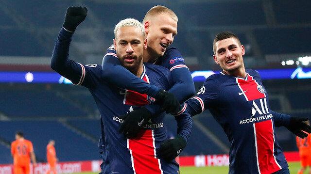 Irkçılık sebebiyle ertelenen maçta PSG farklı kazandı ve grubunu lider tamamladı