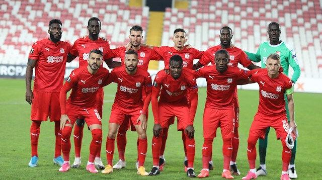 Sivasspor'da 3 futbolcunun koronavirüs testi pozitif çıktı