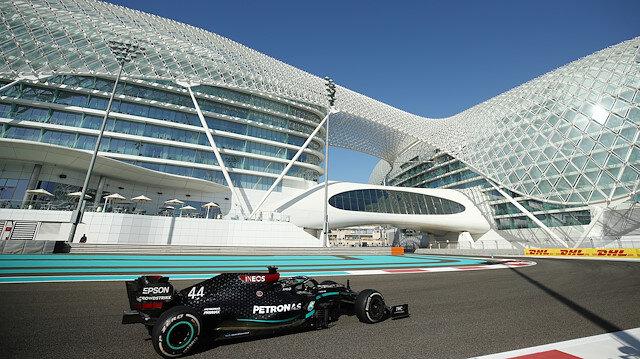 Formula One F1 - Abu Dhabi Grand Prix - Yas Marina Circuit, Abu Dhabi, United Arab Emirates - December 11, 2020 Mercedes' Lewis Hamilton during practice Hamad I Mohammed/Pool via REUTERS