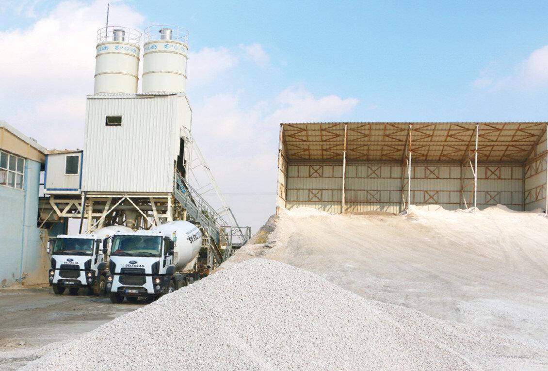 Tesislerde kanalizasyon atıklarından tesisin kendi ihtiyaç duyduğu enerjinin yanı sıra tarımsal sulama için temiz su üretimi yapılıyor.