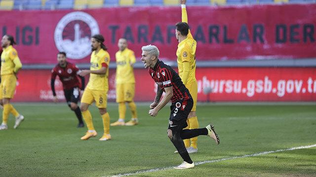 Berat Özdemir'den maç sonu tepki çeken açıklama: