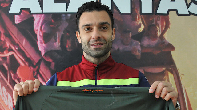 Alanyaspor, Tzavellas ile 2 yıl sözleşme uzattı