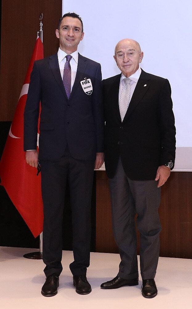 TFF Başkanı Nihat Özdemir ve hakem Abdülkadir Bitigen