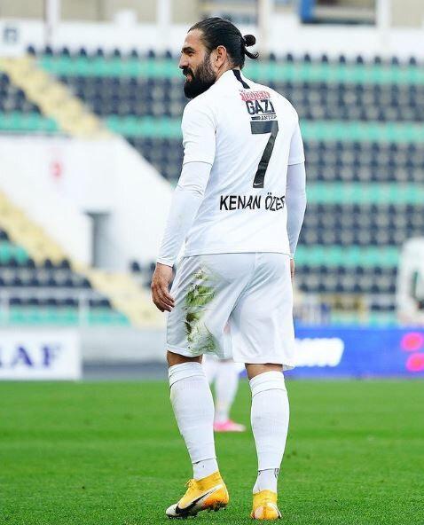 Kenan Özer'in kulübüyle 2022 yılına kadar sözleşmesi bulunuyor.