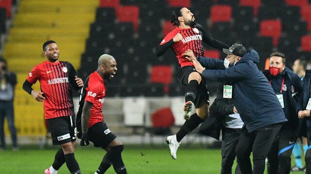 Kenan Özer'den önemli katkı: Takımın nöbetçi golcüsü oldu