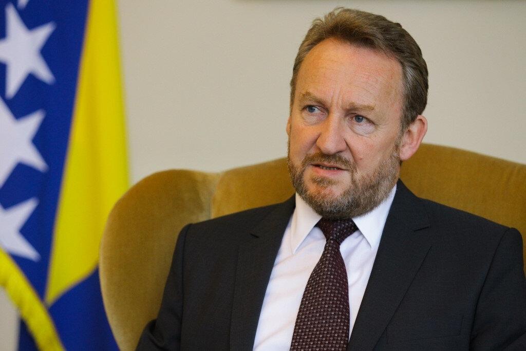 Bekir Izzetbegoviç'in liderliğindeki Demokratik Eylem Partisi (SDA) oyların %29'unu aldı.