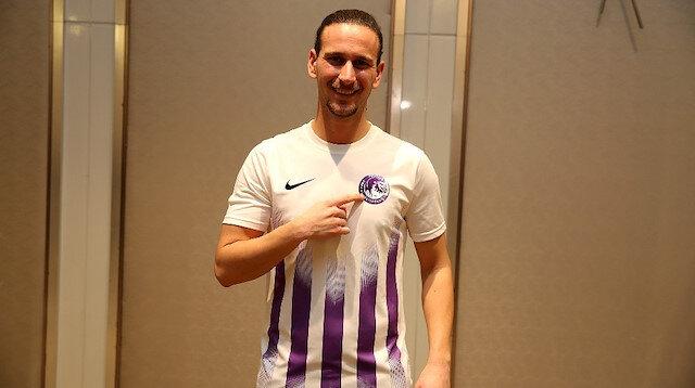 Keçiörengücü'nün yeni transferi formayla poz verdi.